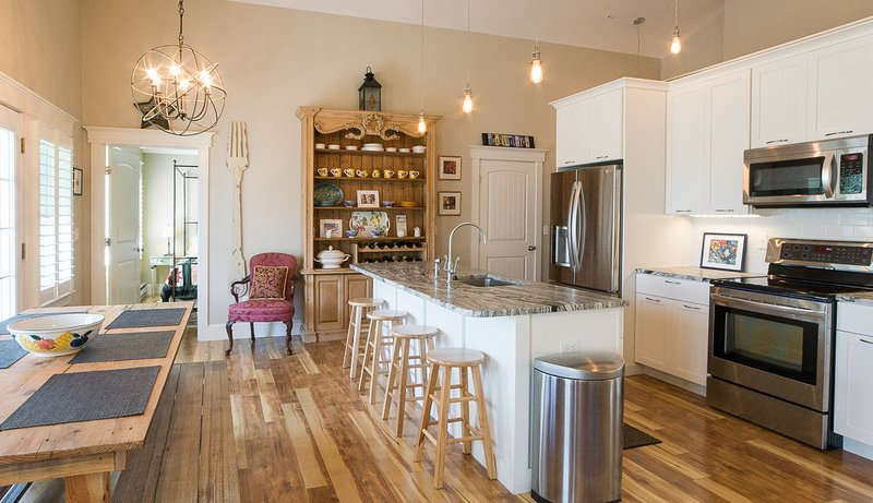 Spacious, open kitchen and dining area