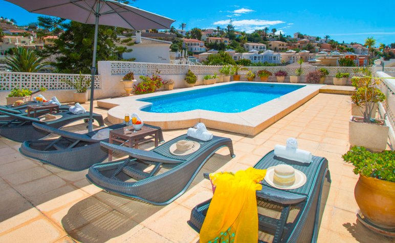 Costa Blanca Luxury Villa With Sea Views/Private Pool, 300m to Beach & Marina – semesterbostad i Calpe