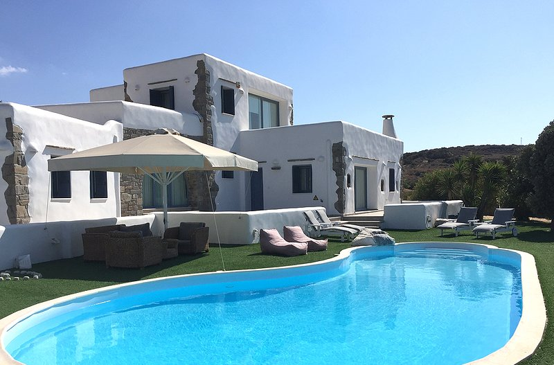 Villa Gusto with private pool, next to Kite Surf, great seaview, holiday rental in Pounta