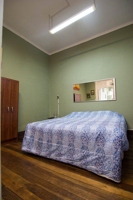 Habitación Matrimonial- king con baño privado.