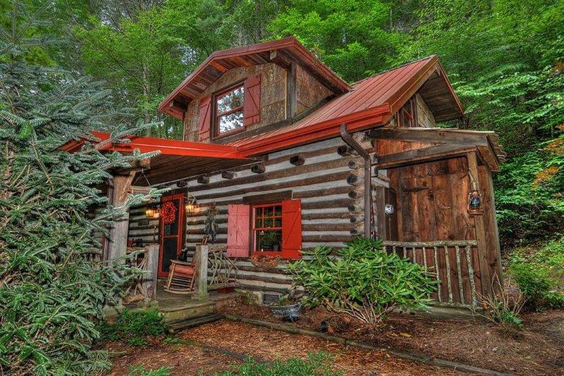 Frente de la cabina. Disfrutarás de un café en el porche.