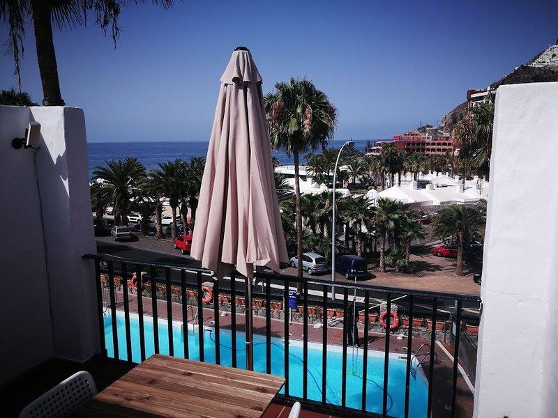 Nice apt with pool access & terrace, aluguéis de temporada em Playa de Cura