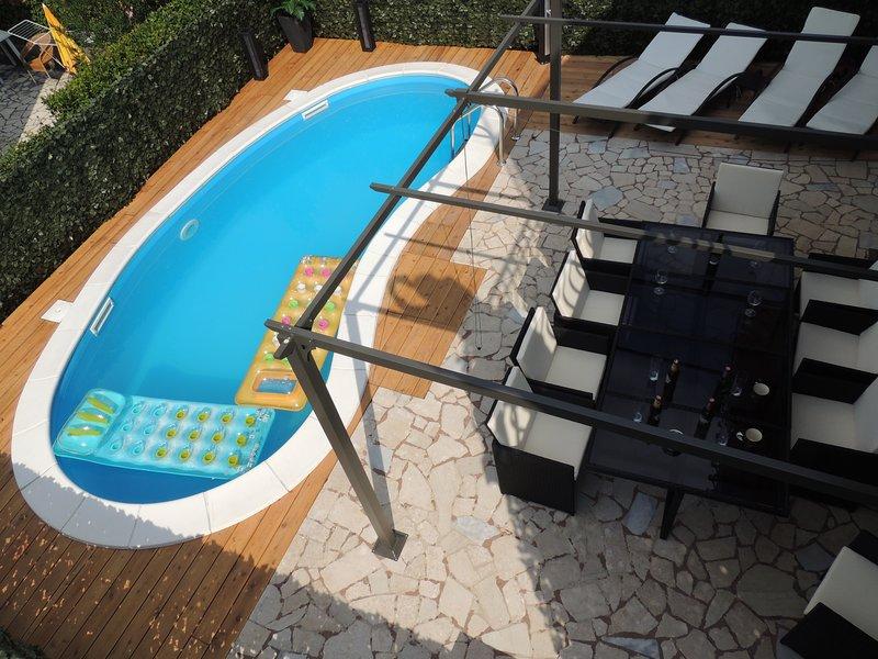 Big villa with swimming-pool & Wifi, casa vacanza a Vantacici