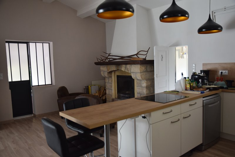 Spacious house with garden & Wifi, location de vacances à Sanilhac-Sagriès