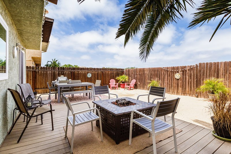 Dunes Hideaway at Mandalay Shores~5 min to Beach!, holiday rental in Oxnard