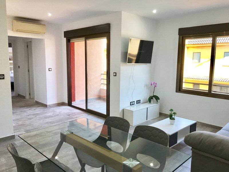 High standard apartment by the beach, holiday rental in El Albir
