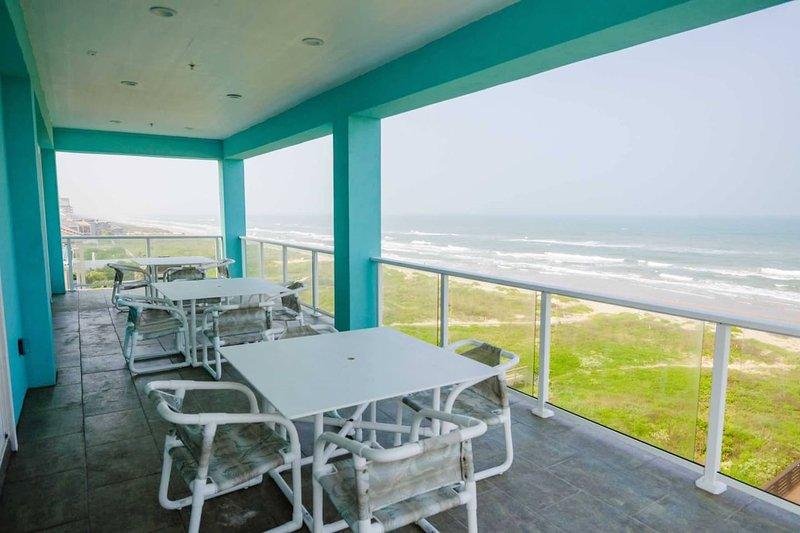 5 BEDROOM BEACHFRONT CONDO - 2nd Floor, location de vacances à Île de South Padre