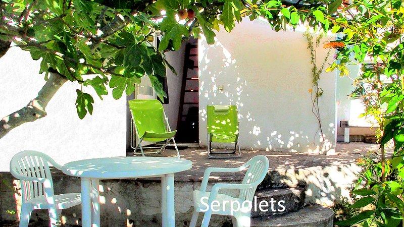 MONTPELLIER, studio dans un jardin méditerranéen, casa vacanza a Grabels