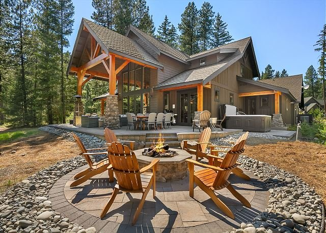 Private Suncadia Retreat! Summer Pool Access * Fun Game Room * New Hot Tub, location de vacances à Cle Elum