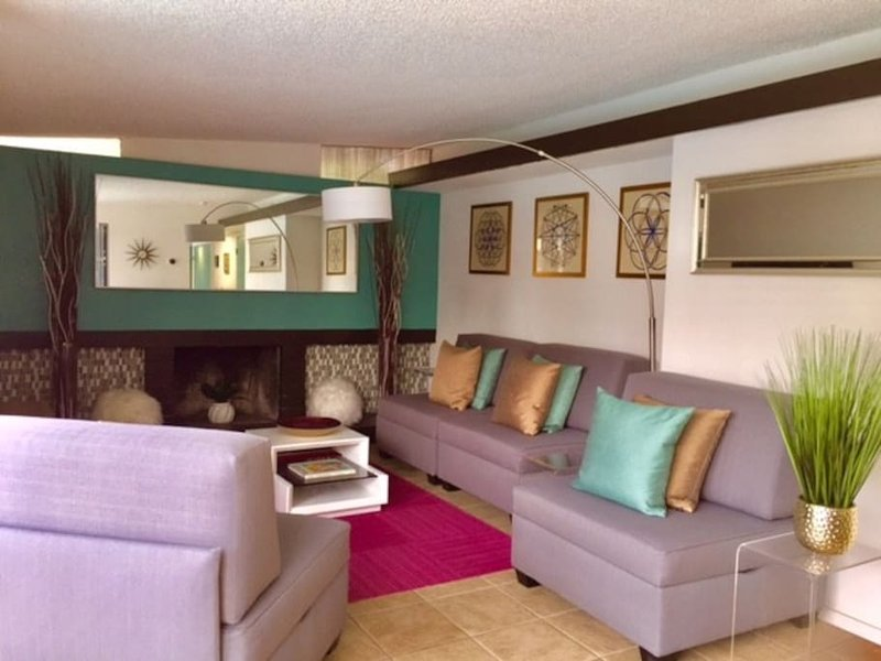 mid century modern oasis 5 minutes to strip has wi fi and washer rh tripadvisor com
