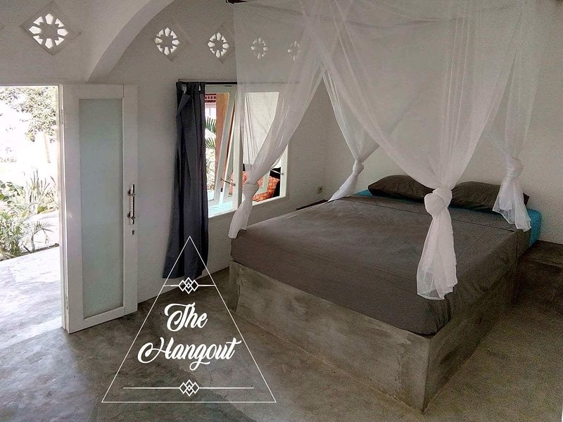 The Hangout - Guesthouse, Café and Living Space, holiday rental in Gili Air
