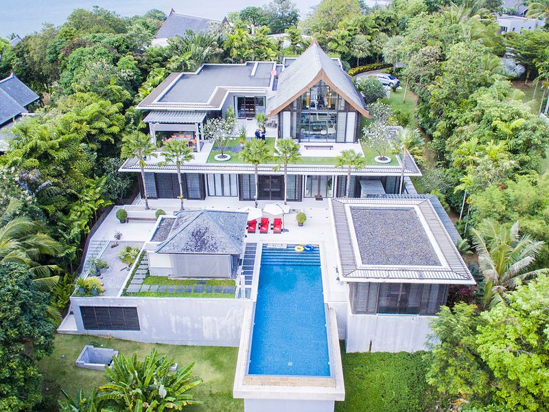Yamu Villa Bua - an elite haven, 4BR, Cape Yamu, holiday rental in Koh Kaew