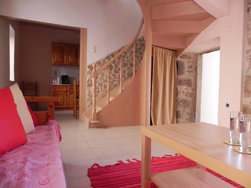 'French Home' traditionelles Dorfhaus für 4 Personen auf Lesbos, holiday rental in Tavari