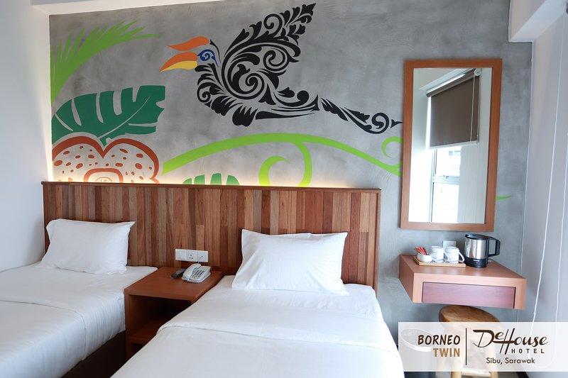 DE HOUSE HOTEL (Borneo Twin 1), holiday rental in Sibu