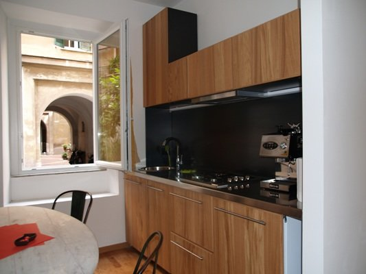 kitchen with table for 4/5 people