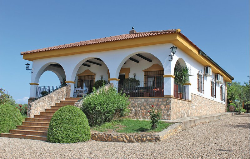 Amazing house with shared pool, alquiler vacacional en Hornachuelos
