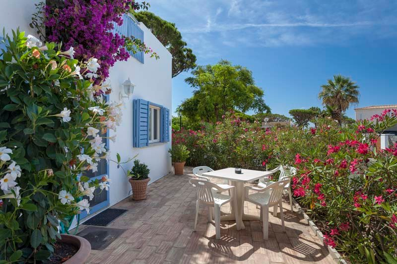 Vale do Lobo Villa Sleeps 4 with Air Con and WiFi - 5607995, holiday rental in Almancil