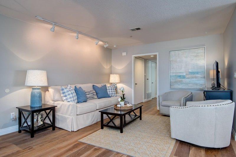 Le salon confortable comprend une télévision haute définition par câble.