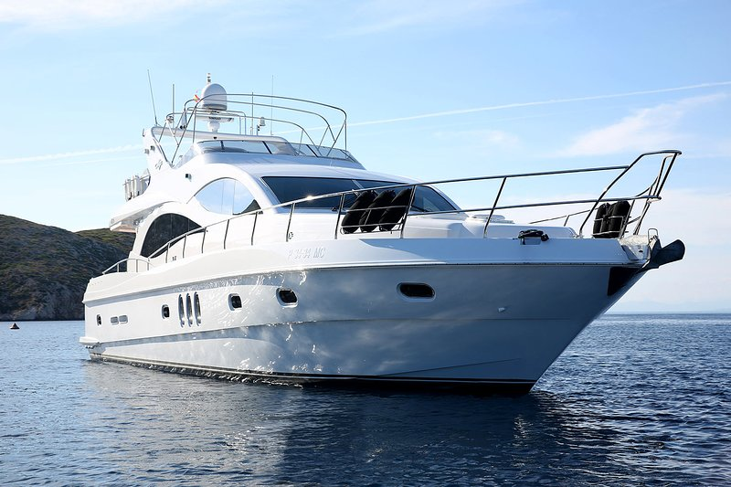 Majesty Yacht on Hire in Goa, holiday rental in Corlim