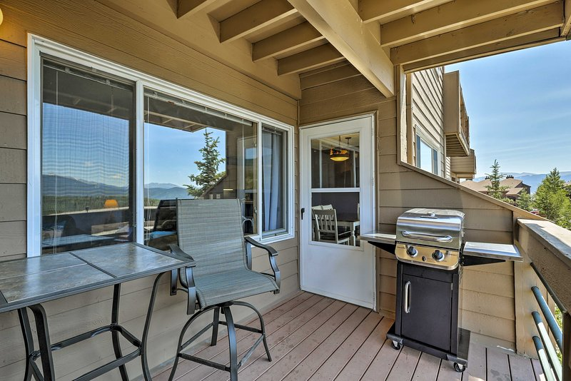Clear the calendar for a trip to this Silverthorne vacation rental condo!