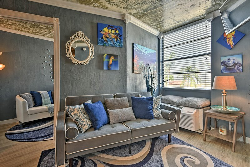 This Well Decorated Miami Beach Condo Accommodates 4 Guests.