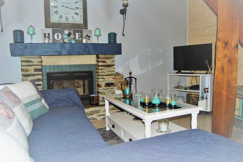 Área de estar con chimenea (posibilidad de hacer un fuego por 5 euros para madera)