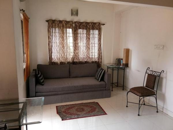1 BHK Apartment near Deshpriya Park, Kolkata, holiday rental in Kolkata (Calcutta)