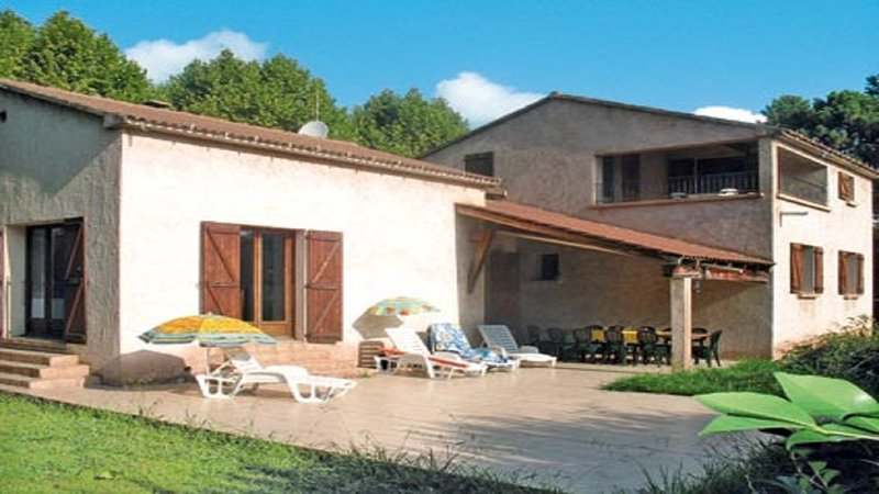 VILLA 7 OR 12 PEOPLE 10 MINUTES FROM THE BEACH