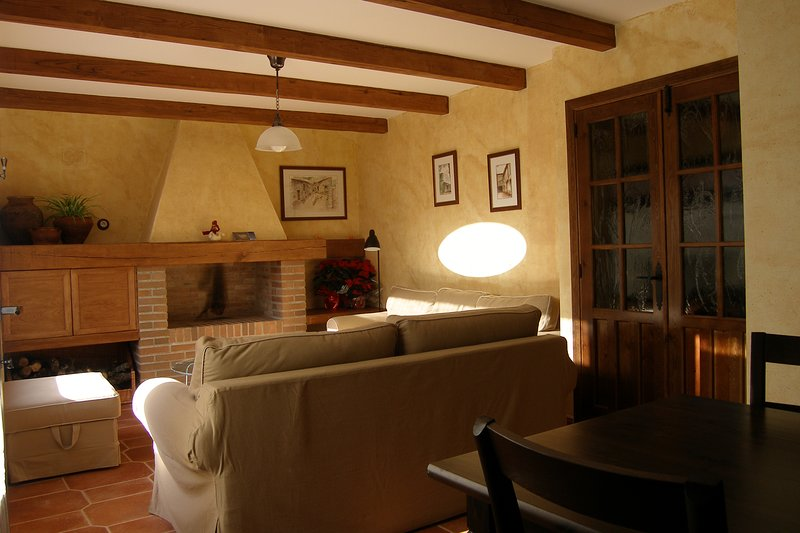 Casa Rural El Zahorí de Pinedas, holiday rental in Pinedas
