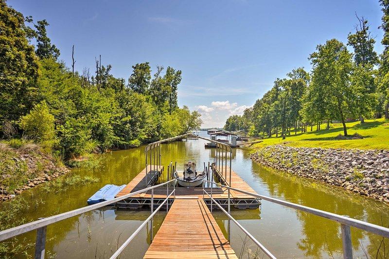 3.5-Acre Gilbertsville Apt on Kentucky Lake w/Dock UPDATED ...