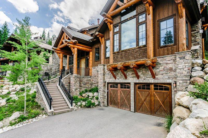 Welcome to Bridger's Cache Ski Lodge