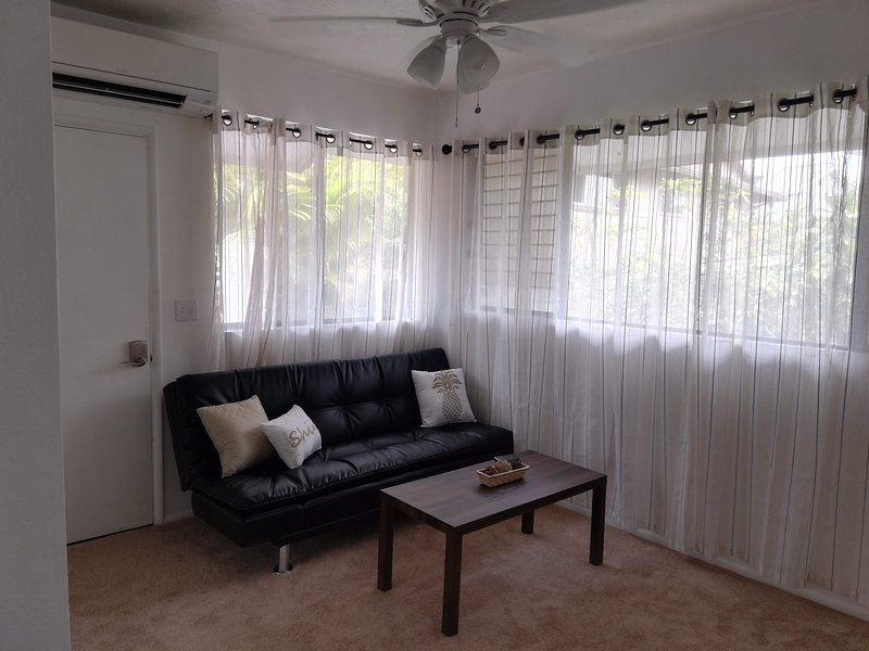 * Private Unit, Beautiful Views, Free Parking *, location de vacances à Waipahu