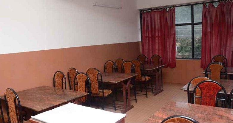 TVJ INN (Double Room 1), aluguéis de temporada em Cheruthoni