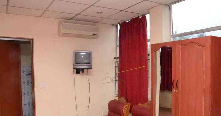 TVJ INN (Double Room 8), aluguéis de temporada em Cheruthoni