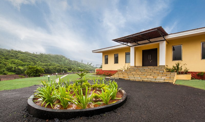 Shivom Villa 8 by Vista Rooms, location de vacances à Lonavla