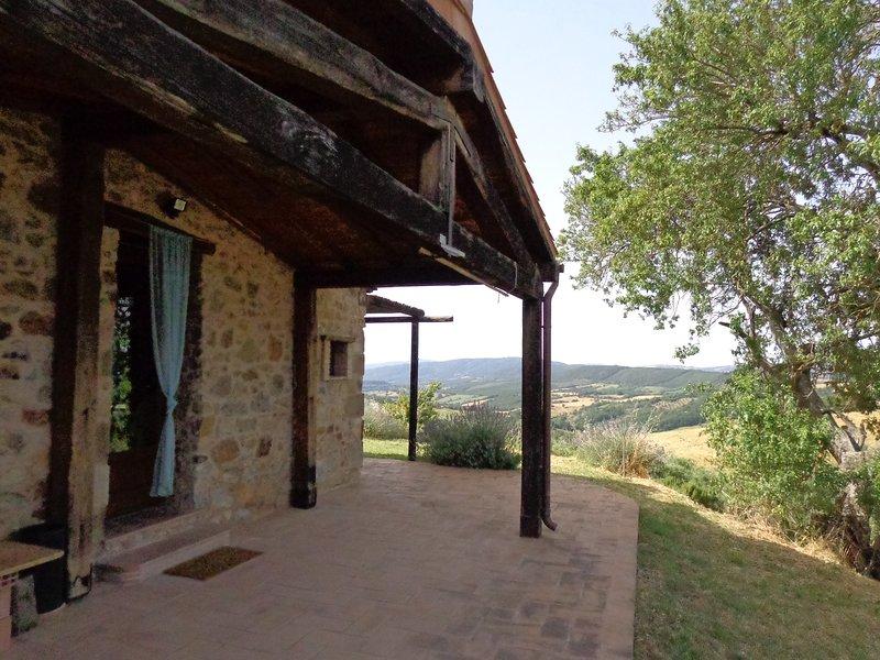 Agriturismo Poggio Monte (villa il Mandorlo), holiday rental in Manciano