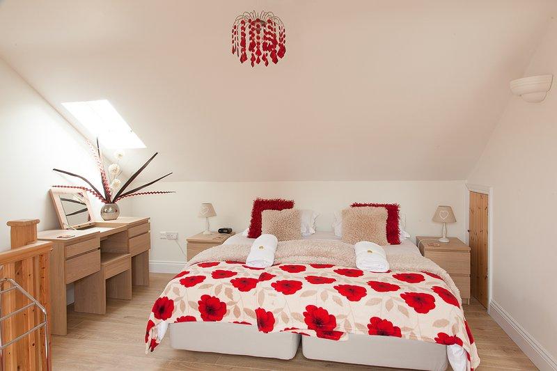 Superking confortable à l'étage - que nous pouvons également faire en tant que lits jumeaux, si vous préférez