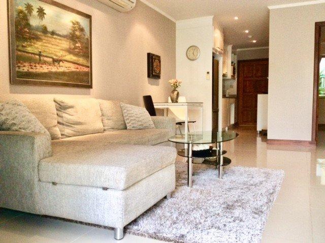 Amplia sala de estar abierta