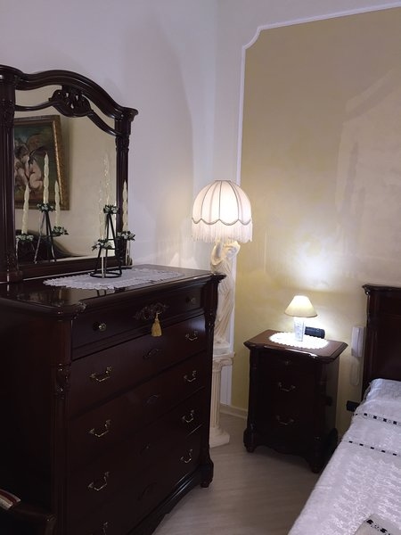 Il Desiderio Apartment, holiday rental in Erchie