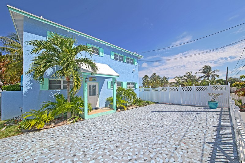 Island Waves Beach House, alquiler vacacional en Spanish Wells