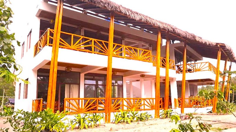 Robinson Crusoe's Paradise Tropical Beach, aluguéis de temporada em Província de Esmeraldas