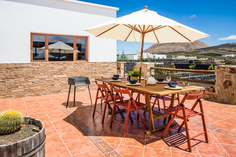 Cas Olivina on the Wine Roas, holiday rental in Tias