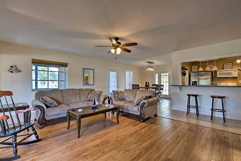 Questa casa confortevole di 1.700 piedi quadrati ospita 6 fortunati ospiti.