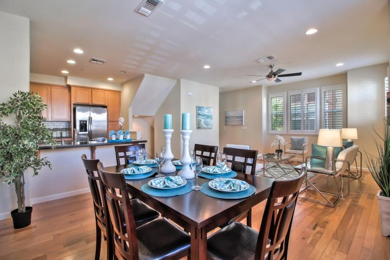Furnished Townhouse at the Cross Roads of Silicon Valley, vacation rental in Milpitas