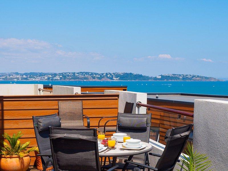 Dunlin 3 - The Cove - Luxury 2 bed apartment in beautiful location, large terrac, location de vacances à Galmpton