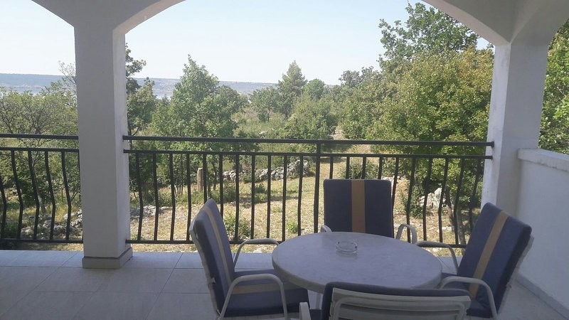 Apartments with sea view- Oasis of peace, vacation rental in Maslenica