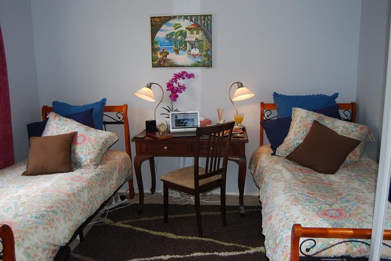 Cutmore Cottages - Highclaire House B&B twin room with share bathroom, casa vacanza a Vineyard
