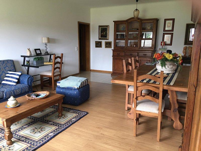 BUTTERFLY HOUSE - INES BETTENCOURT AL 2247, holiday rental in Ponta Delgada