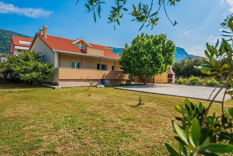 Holiday home V&M Kastela, casa vacanza a Kastel Luksic