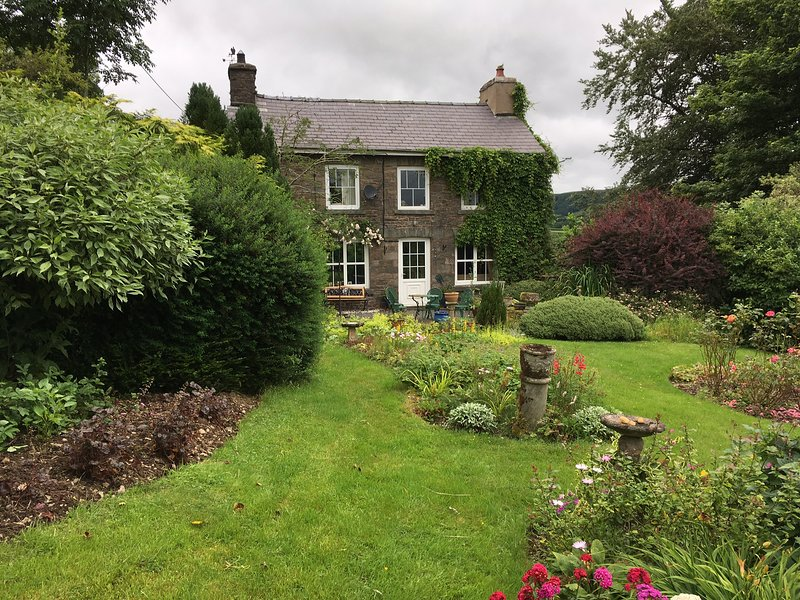 Pen y Crug traditional welsh cottage, vacation rental in Llanwrtyd Wells